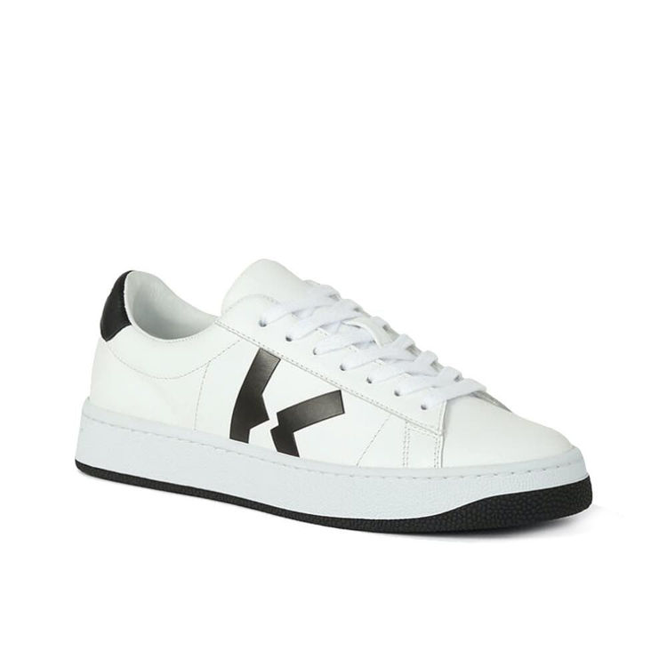 sneaker low top