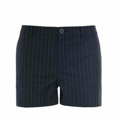 Shorts stribes